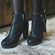 时尚黑百搭款短靴