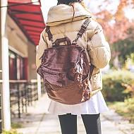 可拆卸肩带时尚背包