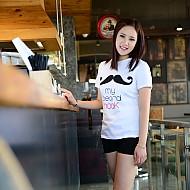 韩国正品胡须图案T恤